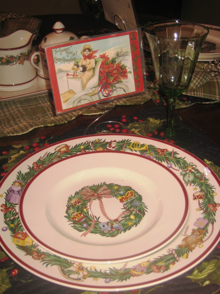 187 Apres Christmas Dinner Holly Berry Themed Tablescape