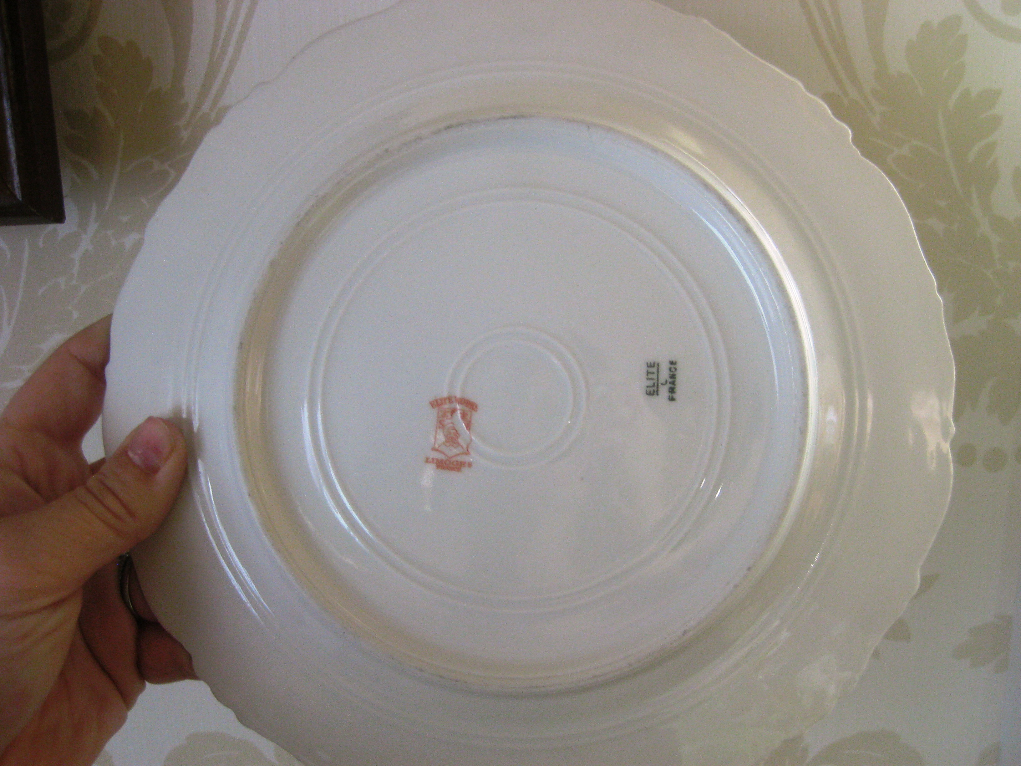 dating limoges porcelain An ae marking on china identifies a piece among the oldest french limoges porcelain, with a production date between 1797 and 1868 markings of ch field haviland, limoges, chf and chf/gdm indicate limoges china dating from 1868 to 1898.