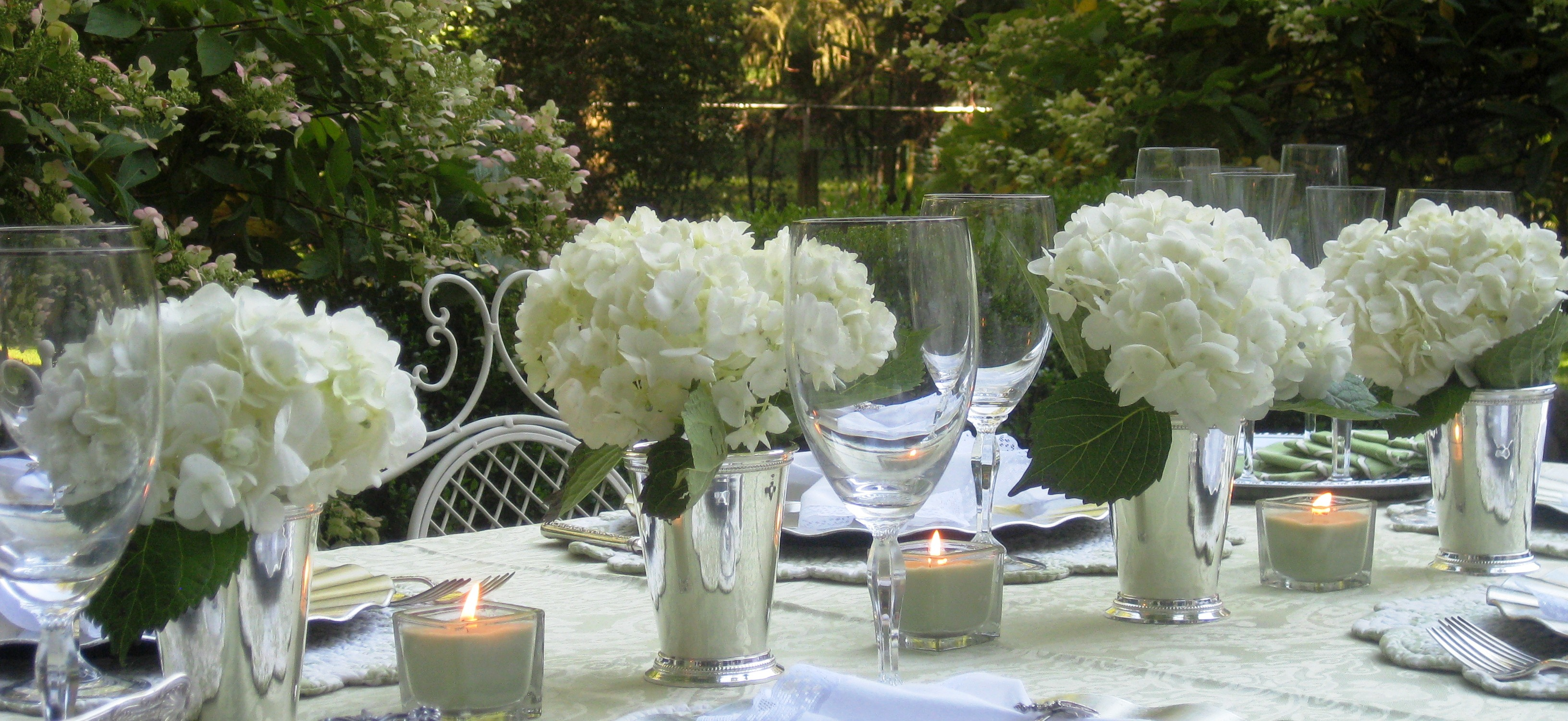 End of summer patioscape red door table decor the inspiration for this patioscape is this set of mint julep cups from twos company which i filled with my favorite bloom white hydrangeas reviewsmspy