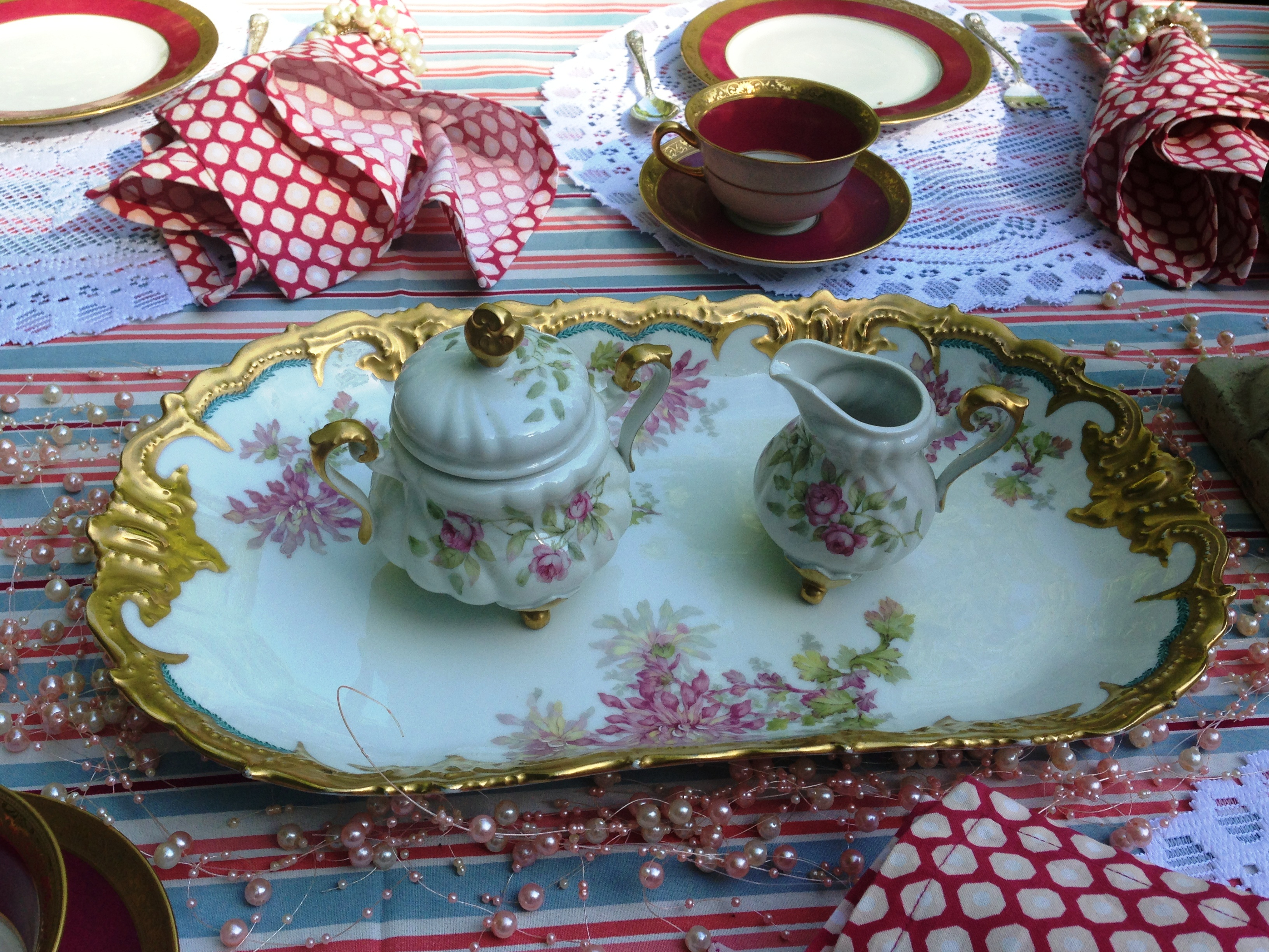 tray with sugar and creamer 1
