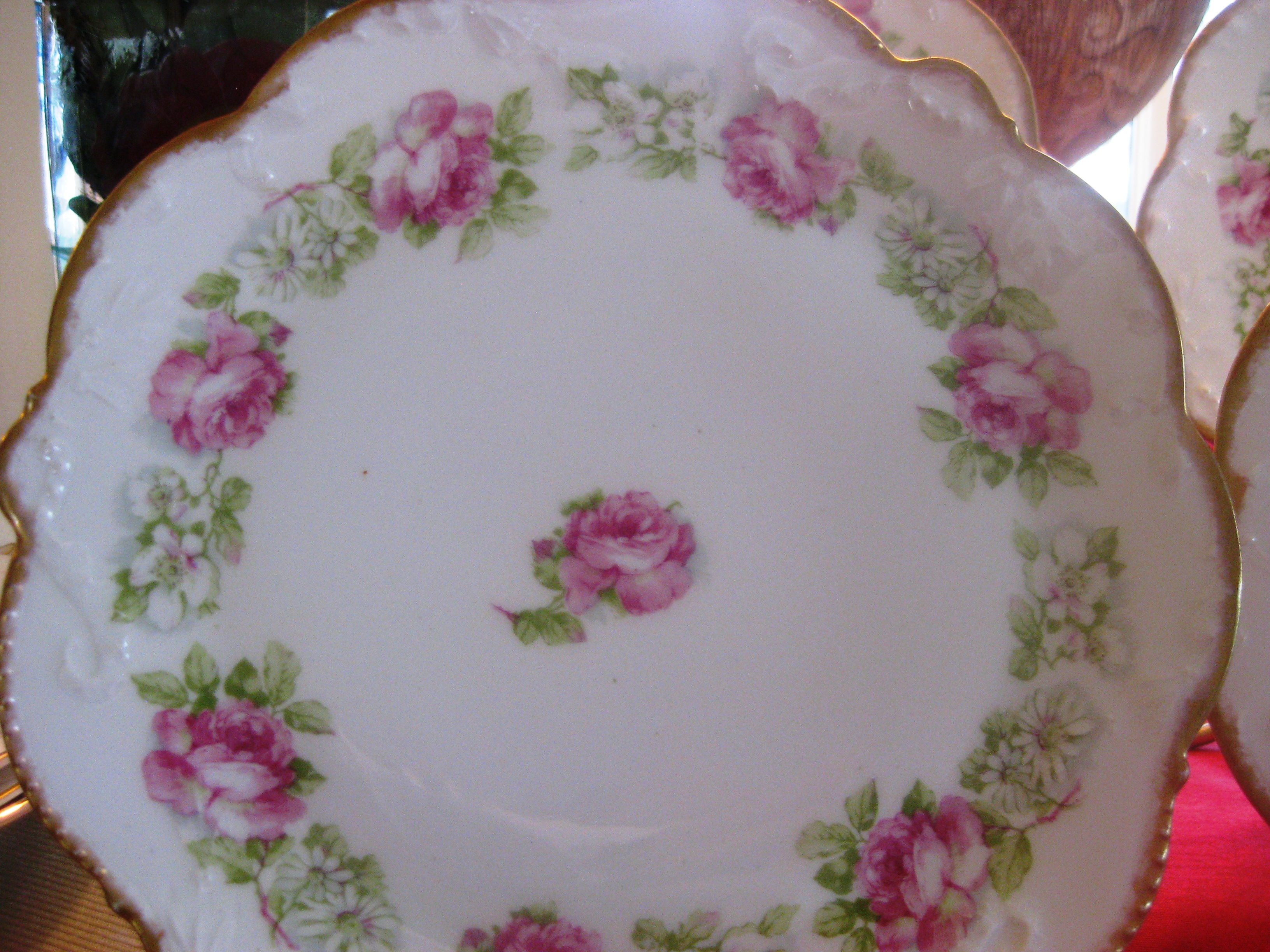 187 Romantic Accent Plates For Valentine S Day Red Door